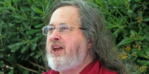 Richard_Stallman_at_CommonsFest_Athens_2015_600x300