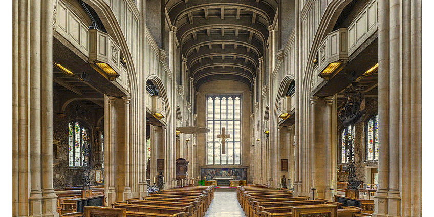 All Hallows By The Tower, courtesy of https://commons.wikimedia.org/wiki/File:All_Hallows-by-the-Tower_Interior,_London,_UK_-_Diliff.jpg